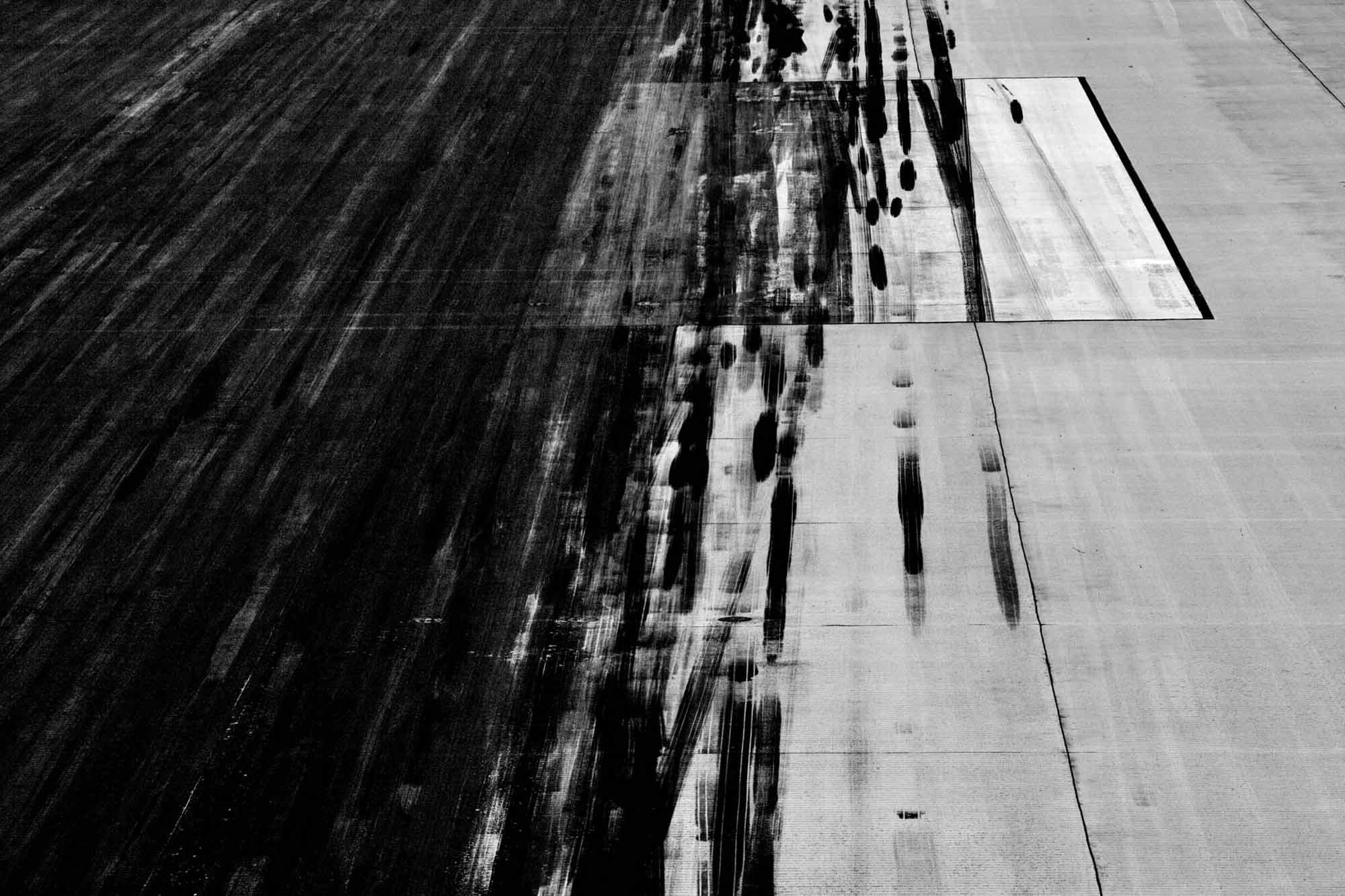 Tarmac - Yann Arthus-Bertrand