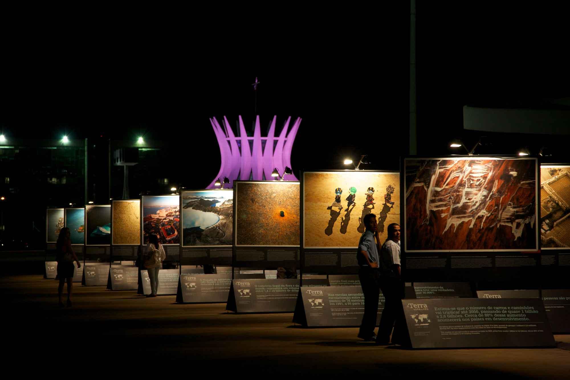 Bazilia - Les expositions en plein air de Yann Arthus-Bertrand