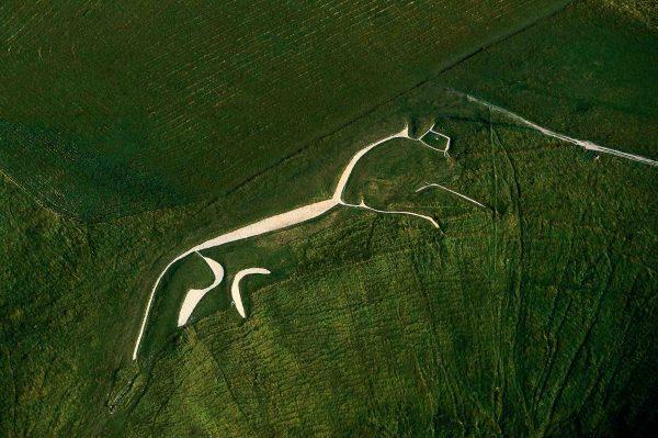 Cheval Blanc, Royaume-Uni - Yann Arthus-Bertrand Photographie